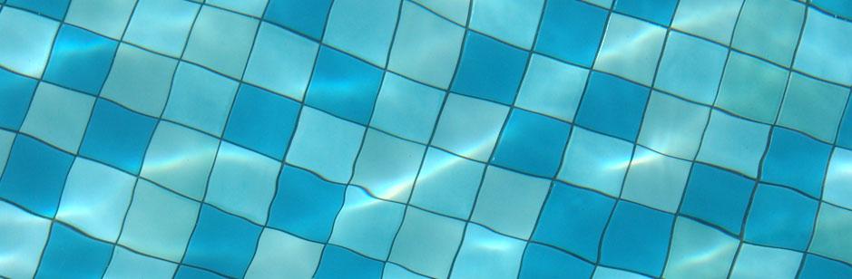 Robots limpiafondos de piscinas codisna todo en piscinas for Piscina fondo nero